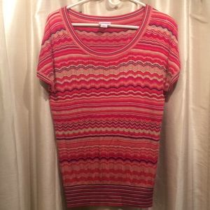 Lightweight knit short-sleeved maternity top